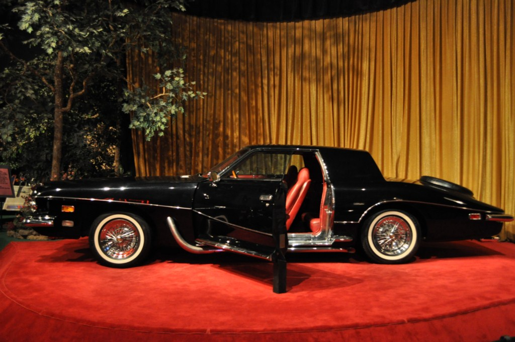 1970 Stutz Blackhawk (this was a prototype and Elvis was the first tro own a Stutz)